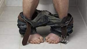 La diarrea del viaggiatore è una sindrome dissenterica che colpisce soprattuto i visitatori depaesi tropicali e sub-tropicali. Si manifesta con diarrea con feci molle o liquide